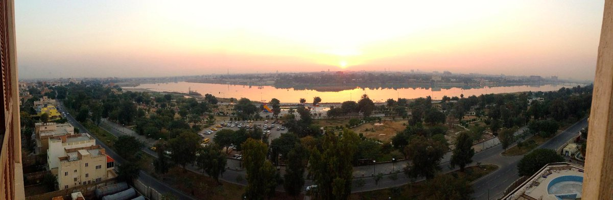 Sunset over the Tigris, #Baghdad. Amazing history, uncertain future but #Iraqis love their city. http://t.co/aYHqFLJkVu