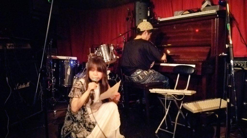 [パムよこ] 伊藤 洋子 &  パム のユニット「ラブストーリーは突然に」。