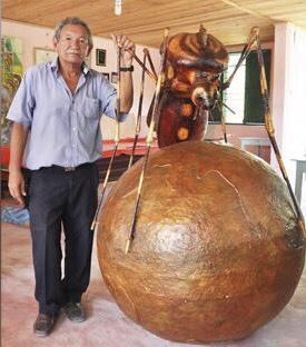 De Sucre , Sucre para el mundo. una escultura a la Chikunguña  vía el @elheraldoco http://t.co/XD5LjGh5Cf