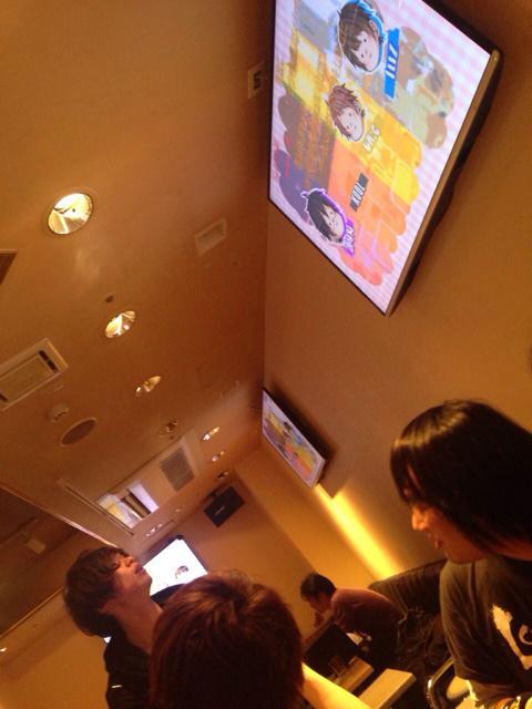 昨日初めて新宿のニコバー行ったけどとある動画を流されて真顔のわたし http://t.co/fdZEx7Qvj0