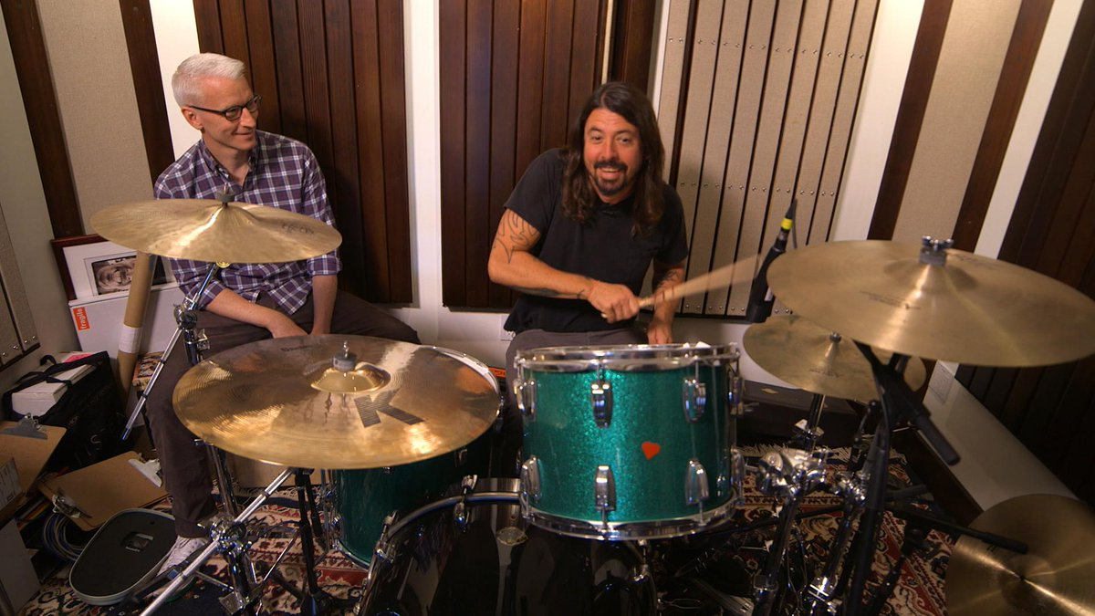 """If music [was] more a part of our daily lives, this country would be a better place."" -- @FooFighters' Dave Grohl http://t.co/RlLx4ZNLGn"
