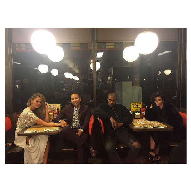 Wait, you have to see what @KimKardashian wore to the @WaffleHouse: http://t.co/bTXyEObLZU http://t.co/8IsF3JFK0F