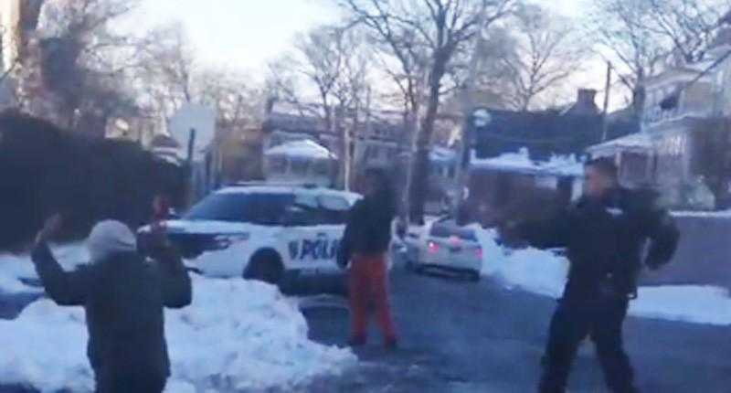 RT @GlobalGrindNews: Police officer holds teens at gunpoint over a snowball fight http://t.co/e8c0wqNjdT http://t.co/lrN9tw7wEf