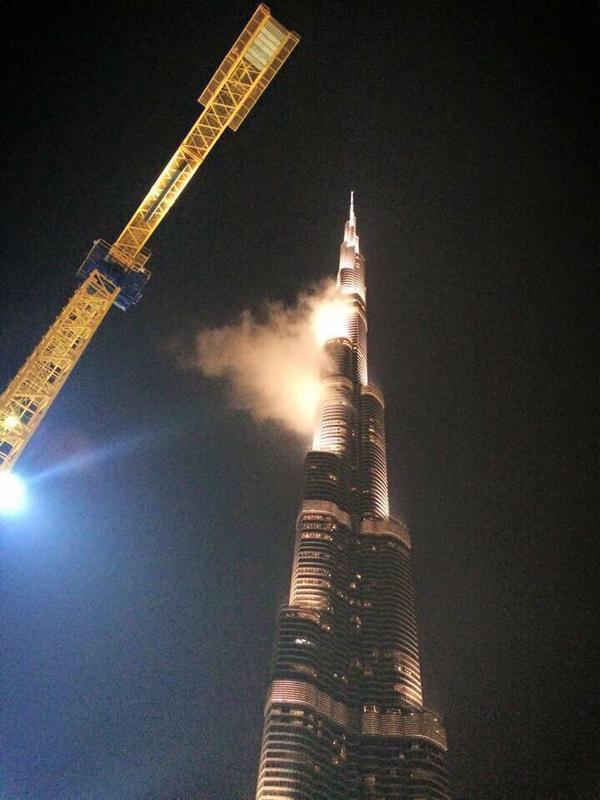 Rania El Khatib בטוויטר يغرد الجميع ان برج خليفة يحترق