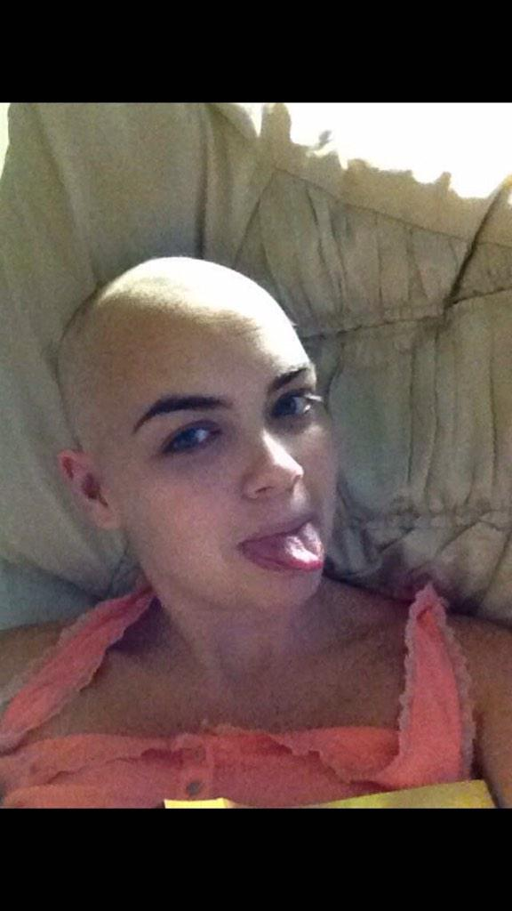 RT @xxleila86: @lemontwittor please rt for my amazing friend https://t.co/QZOAojCAgI http://t.co/nJ6ldP1qQq