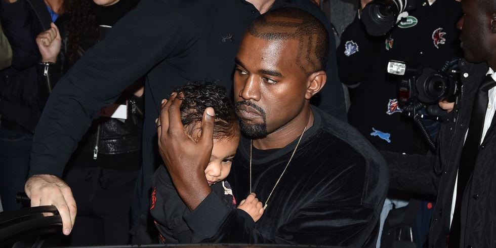 This is the best selfie @KimKardashian has EVER taken with North West, trust 😂 http://t.co/GSYzV2a8Wy http://t.co/bEnQNvdxKr