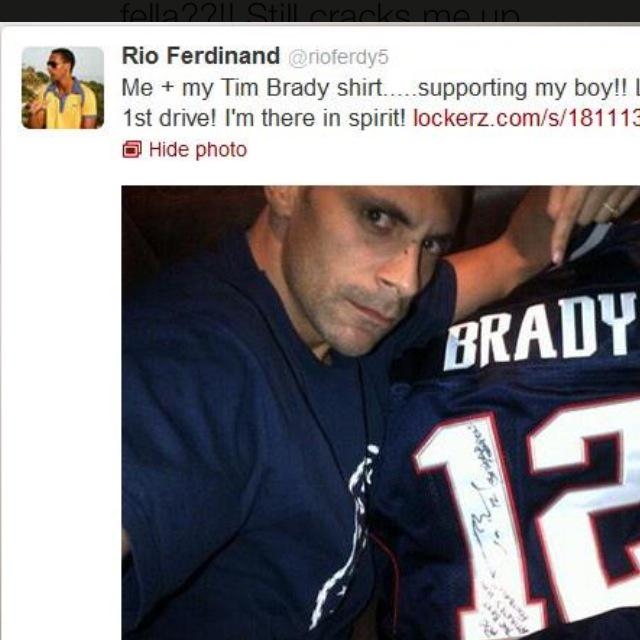#ThrowbacksuperbowlPic !! Come on Tom Brady, throw them defence splitters perlease!! Seahawks are some team tho http://t.co/BEkxQ2tQQX