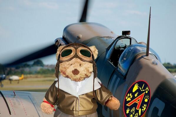 @Deadlysecret007 here I am. Don't I look handsome? #TheAviators http://t.co/P2HxiLFo4f
