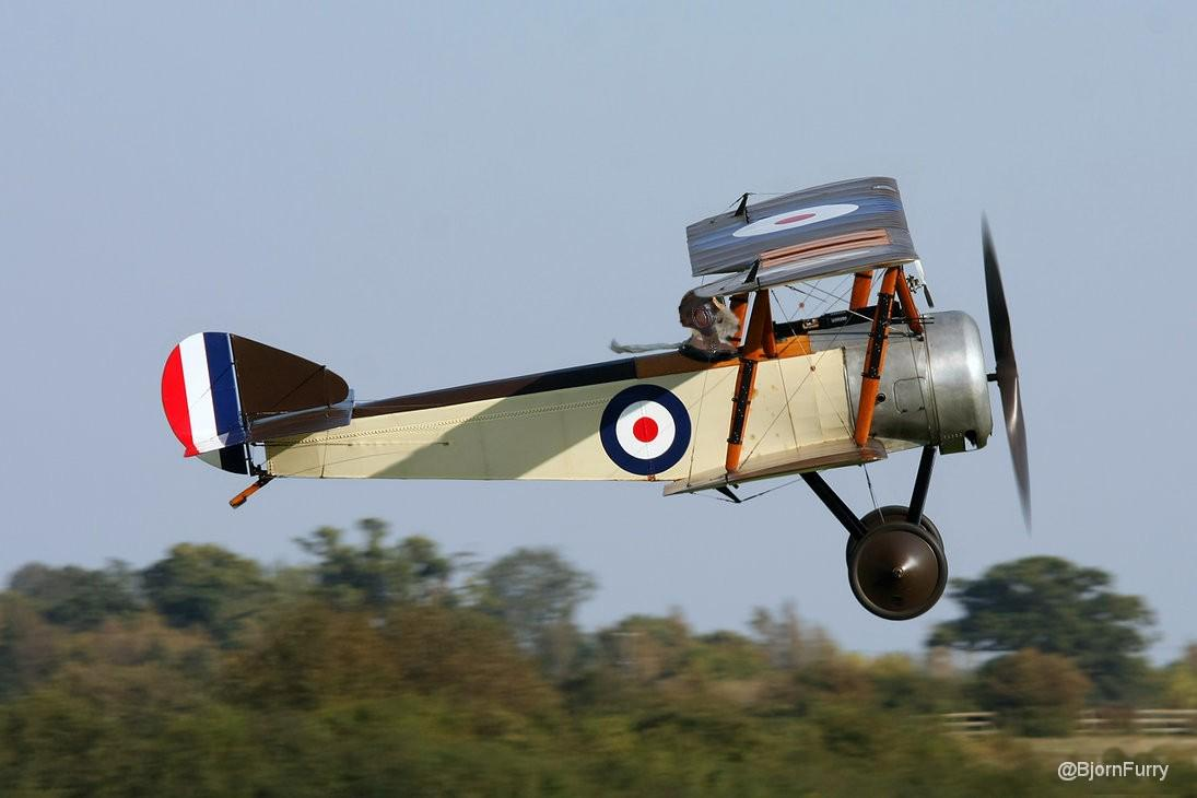 RT @BjornFurry: Bravo Foxtrot 14 taking off with #TheAviators airship @BernardsBark http://t.co/AnnplIbTiQ