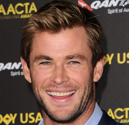 Chris Hemsworth is a gorgeous sea of blue you just want to dive into: http://t.co/7GZFgPYafY http://t.co/4e1p07dM7P