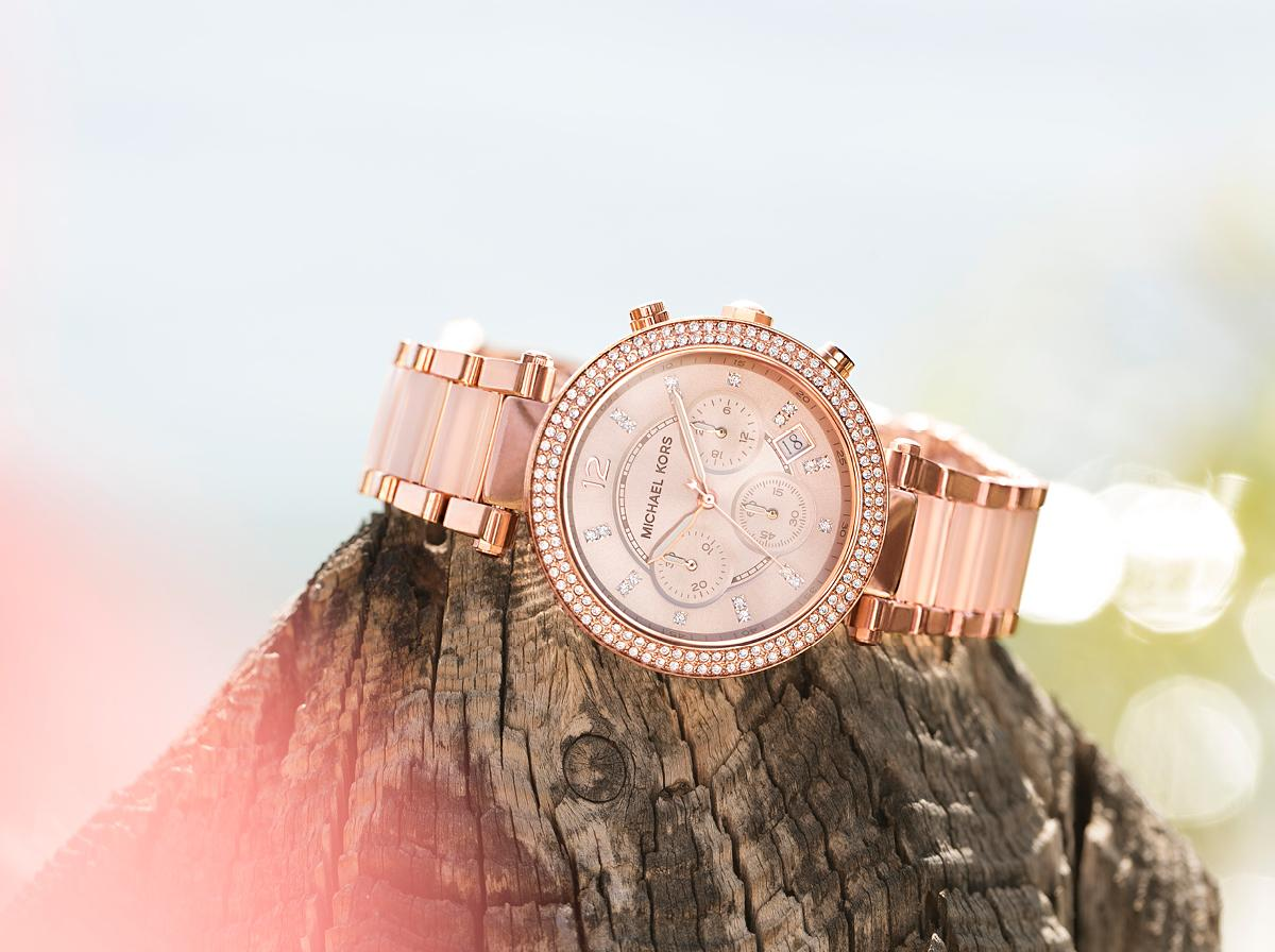 Valentine's Day is almost here…roses or rose gold? http://t.co/s8c8ojVbDF #FallingInLoveWith http://t.co/cR6Tsss3Ux