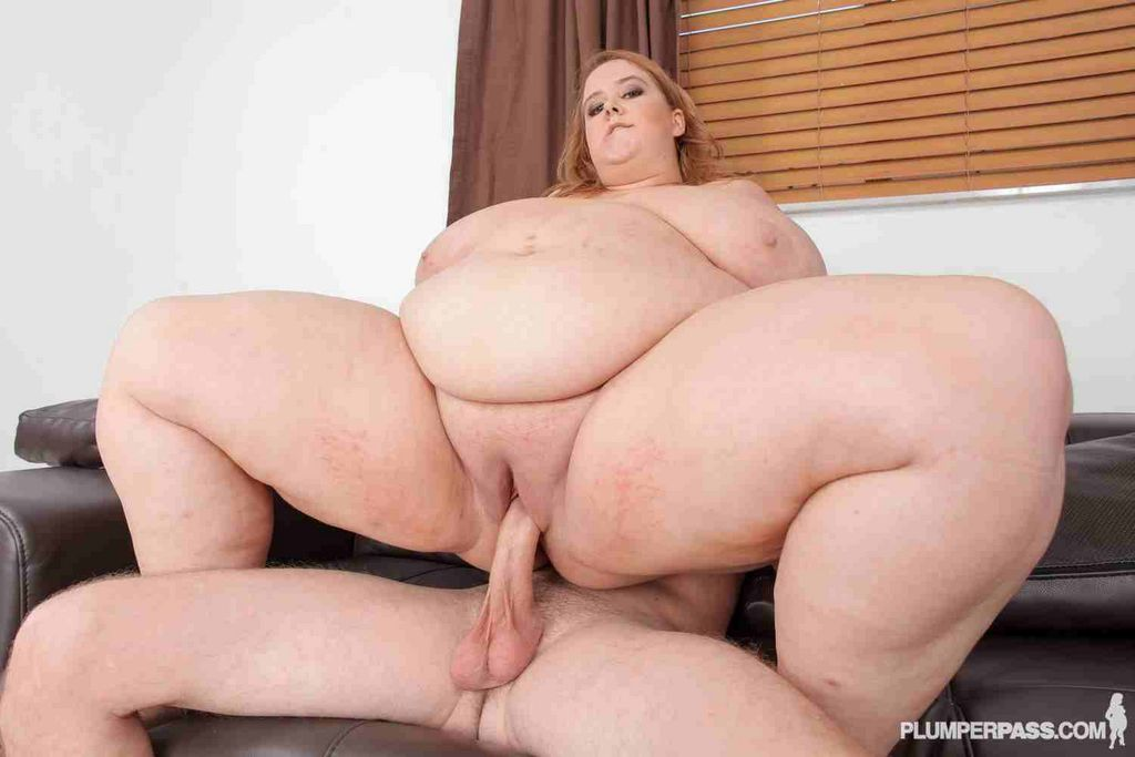 Fucking a bbw on her side