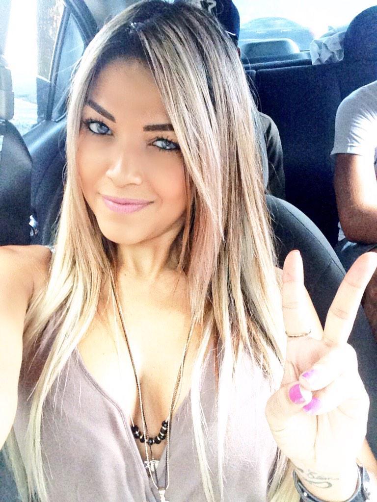 Dania Ramirez Cleavage Nude Photos 28