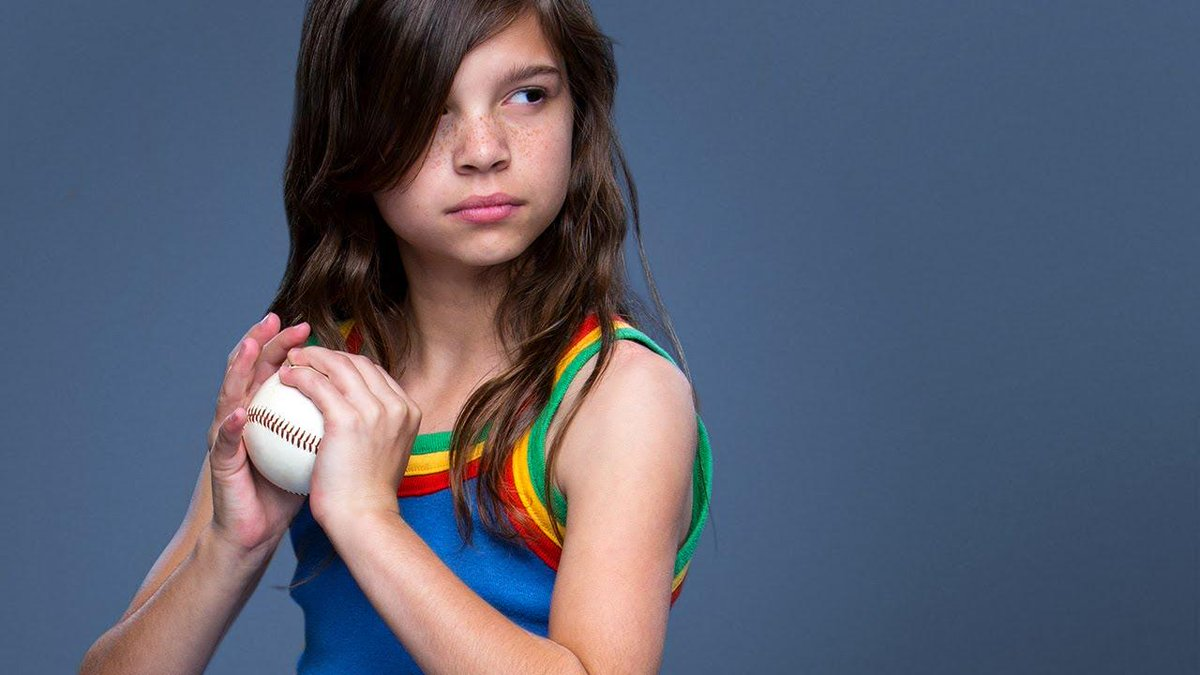 Now *this* is our favorite commercial. Run #LikeAGirl. Throw #LikeAGirl. Fight #LikeAGirl. http://t.co/cFFeQIawF3 http://t.co/O77tq0gHlz