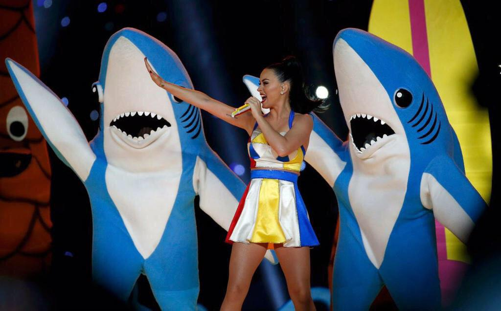 Every girl's crazy 'bout a shark dressed man. #SuperBowlXLIX http://t.co/seSZmvCnsB