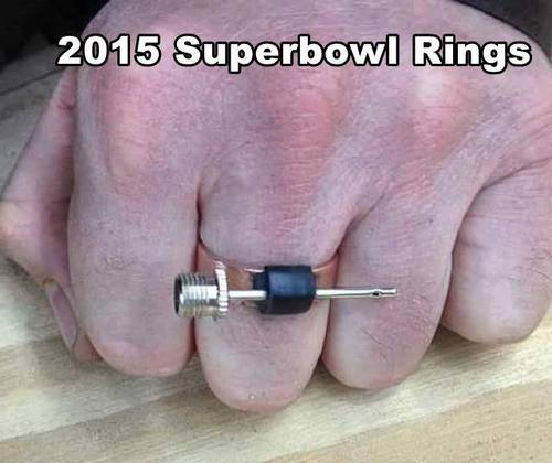 EXCLUSIVE: First look at the #SuperBowl ring should Patriots win. #NFL http://t.co/gtE7gMykUn