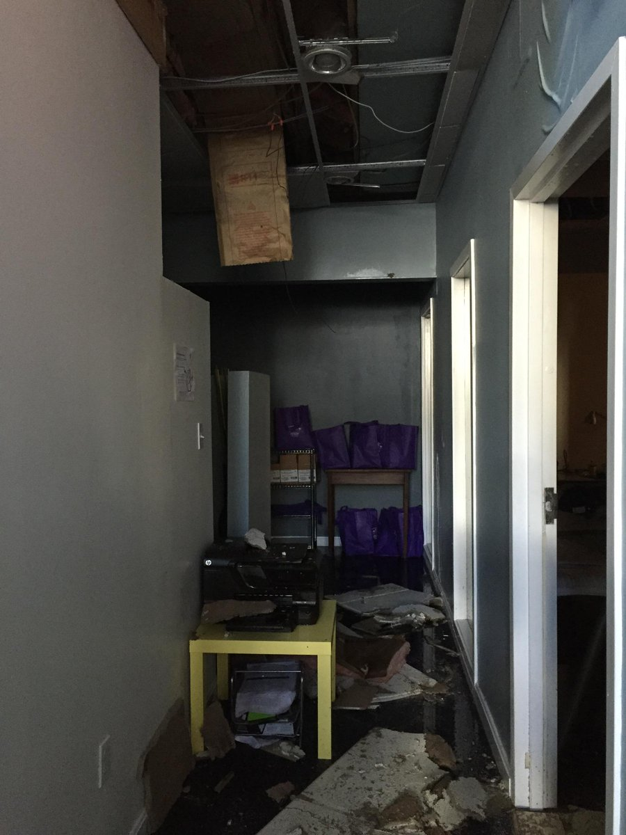 #Boston folks - our office got badly flooded. Ping me if you have space for 14 for a month http://t.co/58g6psIX8f