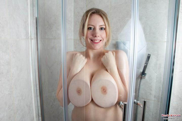 free naked tittie pics
