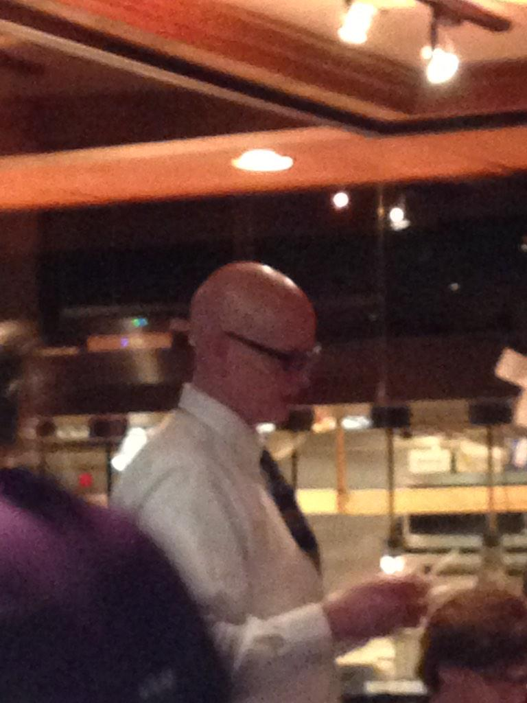 @notthefakeSVP, thanks for being a great waiter last night! Your the best. #thefakeSVP http://t.co/EAzsKF078M