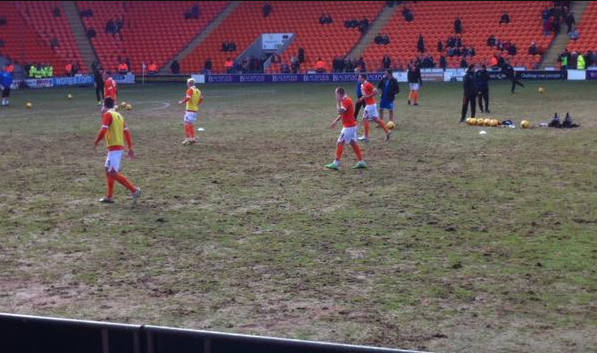 Better off playing on the beach... just avoid the donkeys!! Awful pitch at Blackpool #bbcfootball http://t.co/6vyvJMB8of