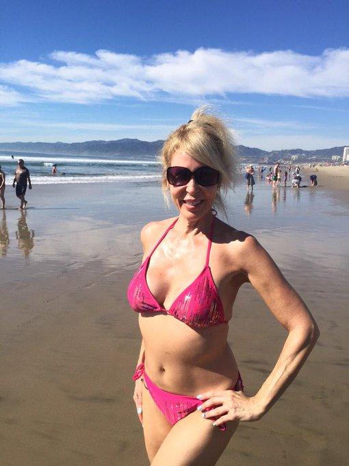 #HappyValentinesDay #HappySaturday #beach My first beach day in 2015!:) #HappyDay xoxo! http://t.co/