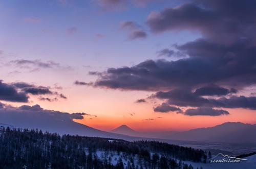 風景写真ブログ: 霧ヶ峰 ビーナスラインからの富士山と朝焼け #ファインダー越しの私の世界  http://t.co/hhQju8M7vS http://t.co/6e64IsIJDc