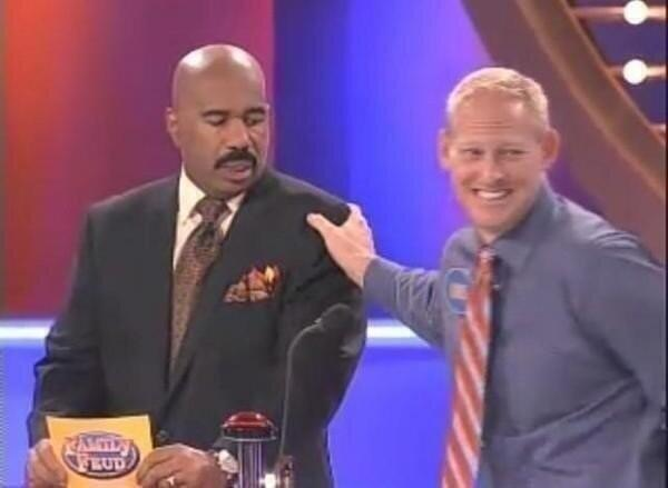 if a guy touches your shoulder