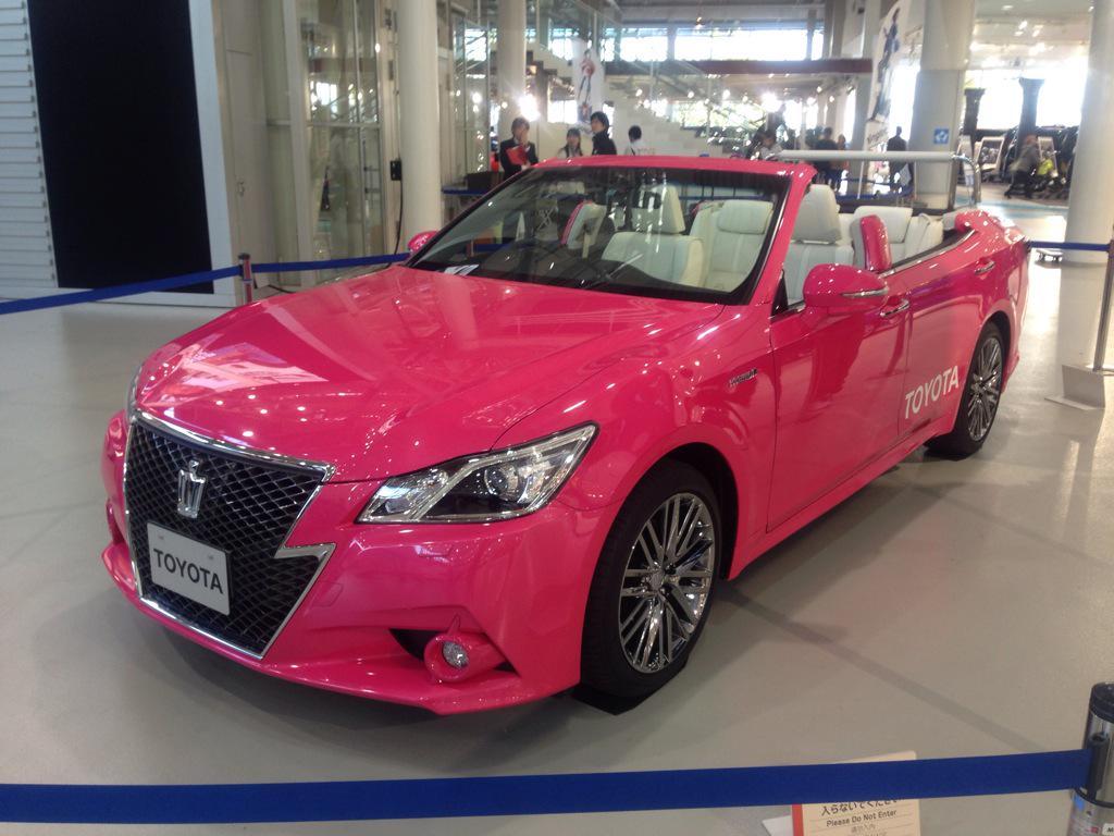 トヨタの公式初日の出暴走仕様クラウンだぜ! http://t.co/h6bN06xJHe