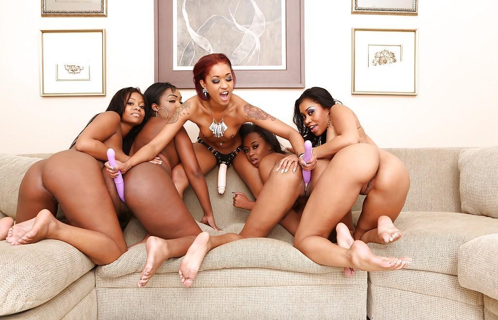 Black lesbian orgy swirl — photo 9