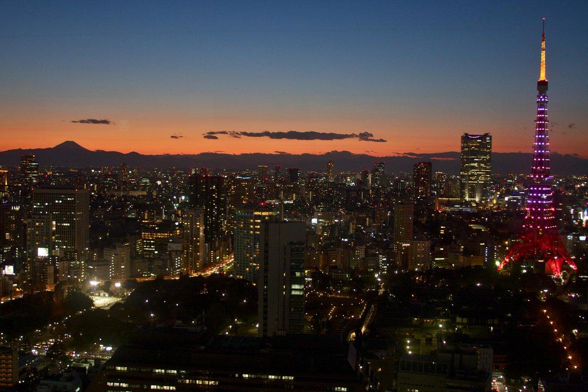 昨日ですが、浜松町の貿易センタービルからの富士山を撮ってきました。 http://t.co/OzeGhJlaX0