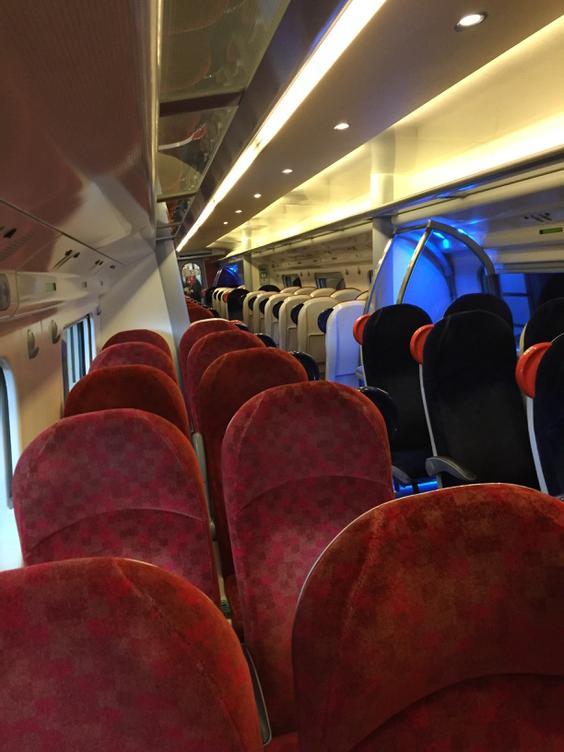 Look what we have here -Euston to Birmingham service. 80% plus empty- #hs2 makes no sense http://t.co/ESQVnQtfw0