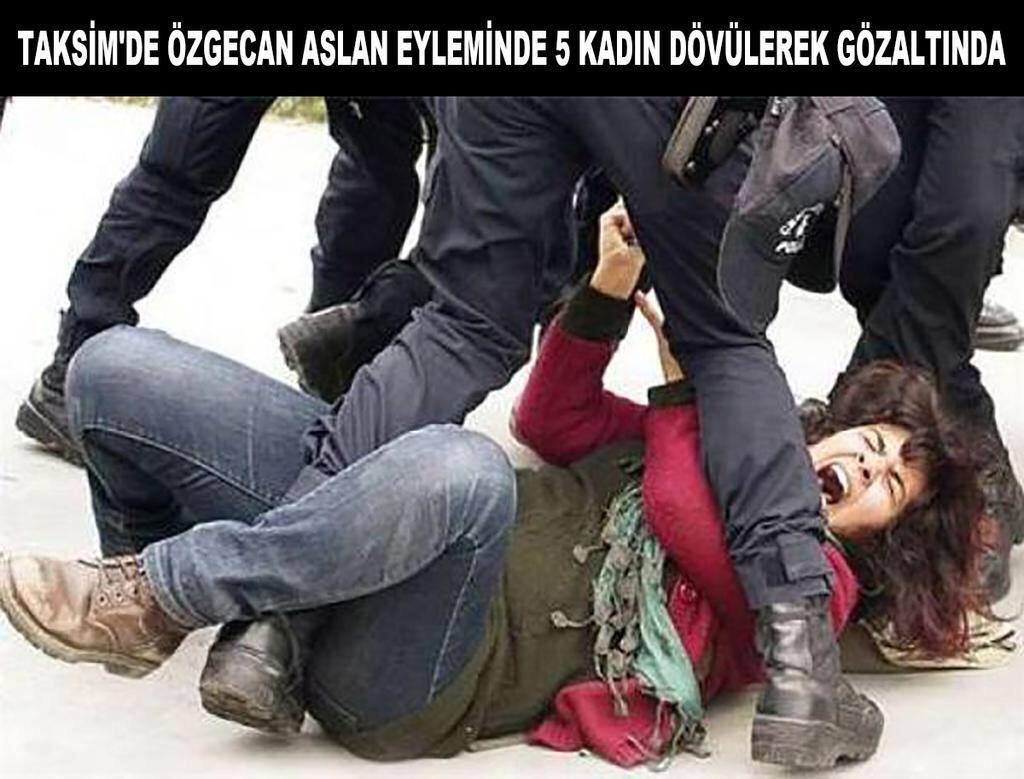 Ulan arkadaş ne absürd memleketiz! Kadına şiddet ve taciz protestosunda kadın dövülen başka ülke var mıdır acaba? http://t.co/JQdsljcbDM