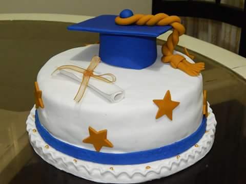 Francisco torres ceb on twitter torta de graduacion en for Decoracion grado universidad