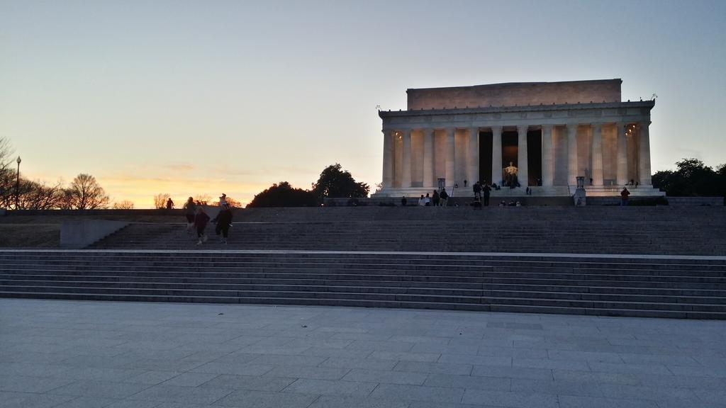 And if you haven't been to @HouseofCards Land... Washington DC, get your butt over there... #LincolnMemorial December http://t.co/mWNA0ELHeU