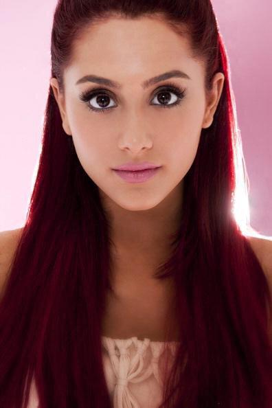 qui est datant Ariana Grande maintenant monde de Warcraft singles datant