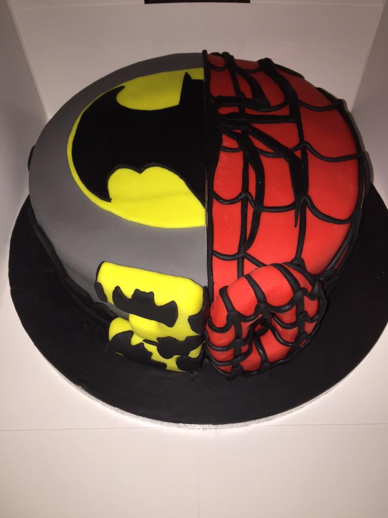 coloring pages batman spiderman cakes - photo#17