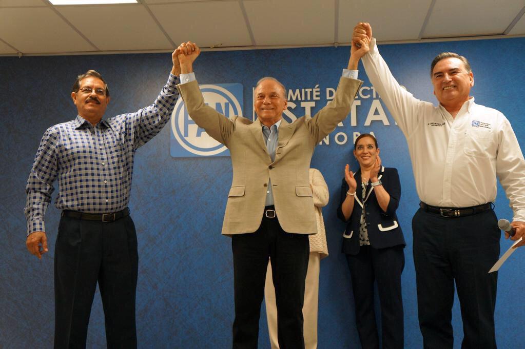 Los panistas de #Sonora eligieron a @JavierGandaraM para ser el candidato a la gubernatura del estado ¡Felicidades! http://t.co/BlFFvKegJI