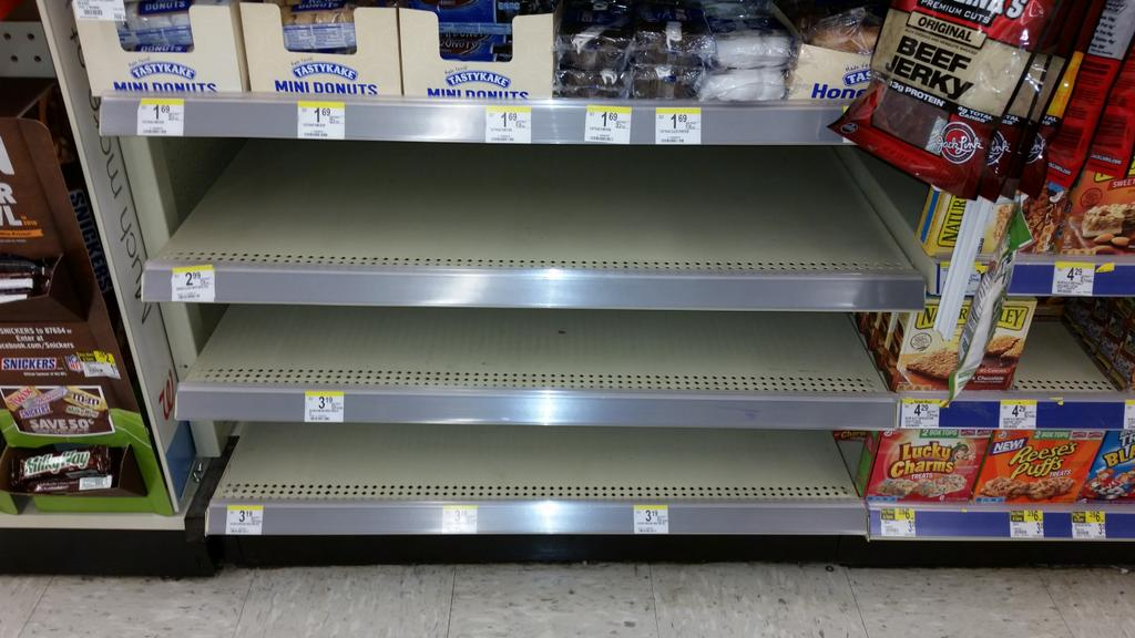 Bread section at Walgreens in Franklin. @ClayTravisBGID http://t.co/IwrqvxktGf
