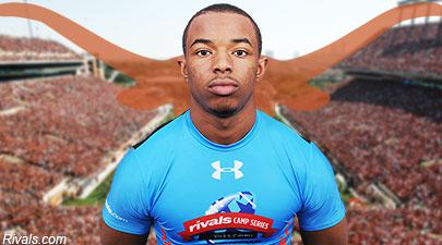 WR Ryan Newsome @NewBoi17 has flipped to #Texas. He was previously committed to #UCLA. #Longhorns #NSD2015 #RivalsNSD http://t.co/jemb7XmLK4