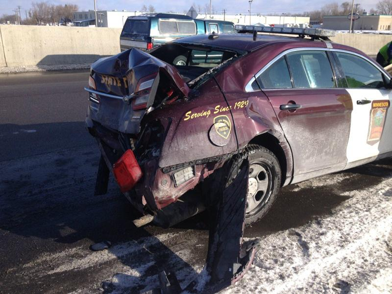 MSP squad hit while on the shoulder, investigating crash. Hwy36EB/Hwy61. Trp has minor injuries.#moveover http://t.co/xrPJDKbToL