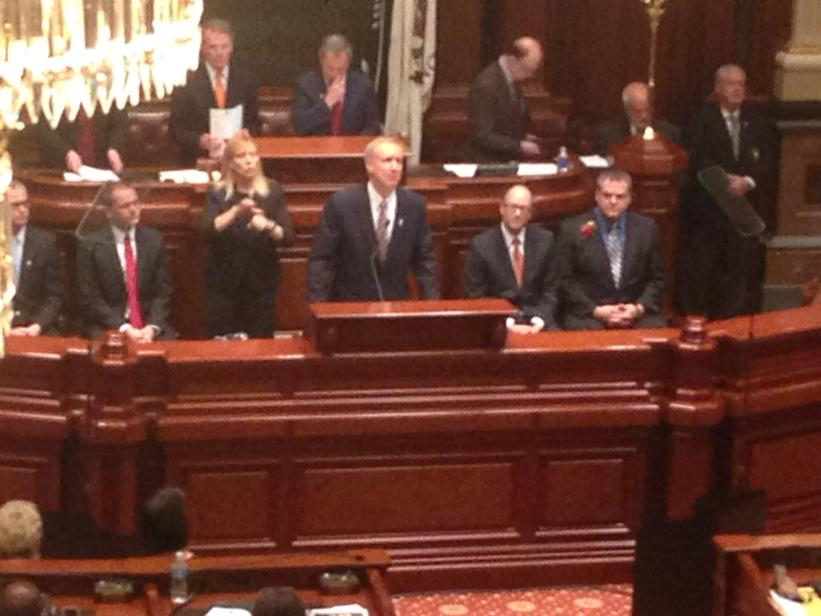 Rauner--the states around us have been kickin our tails http://t.co/6nPrZrkuyn