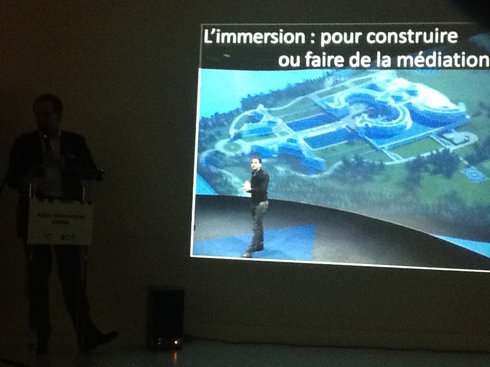 #ApéroAFIGEO @Catopsys explique son projet NSEO3, prototype de navigation et d'interaction immersive, incubé #IGNfab http://t.co/9BGTpeg19Q