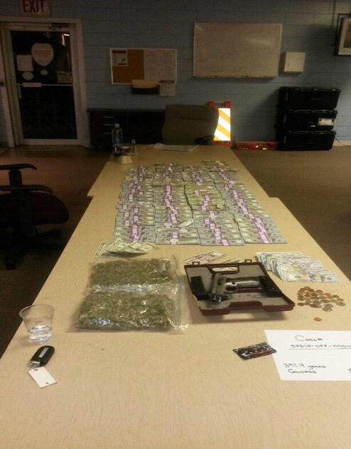 From the Starke, Fla police report, here's what #Packers DT Letroy Gion was busted for: Pot, cash, gun. http://t.co/EjDEPFlj7b