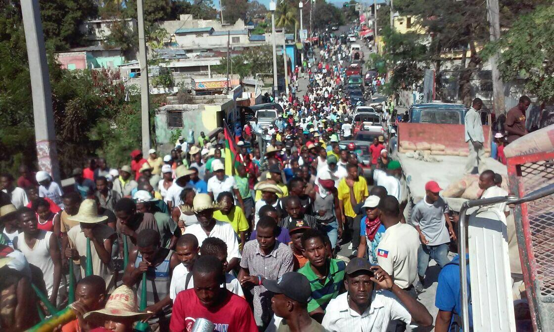 Jean junior joseph on twitter haiti manifestations anti tet kale a port au prince aujourd 39 hui - Manifestation a port au prince aujourd hui ...