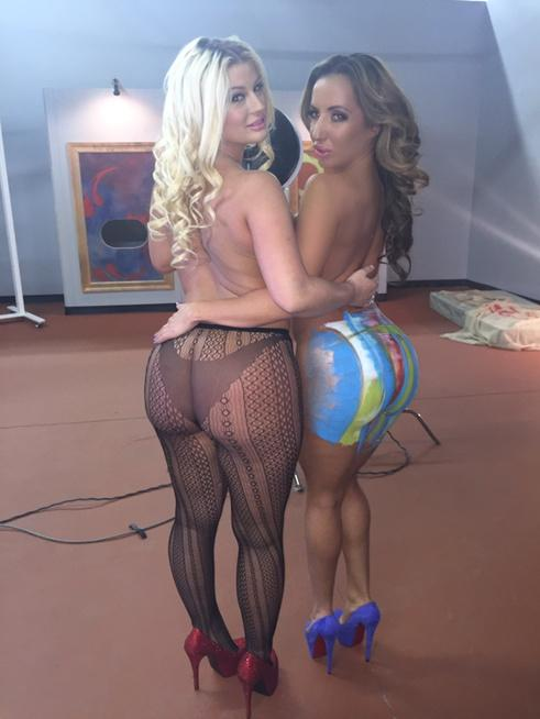 RT @RICHELLERYAN: Painted up booty for @Brazzers   Shooting with the yummy @juliecashxxx  ???? http://t