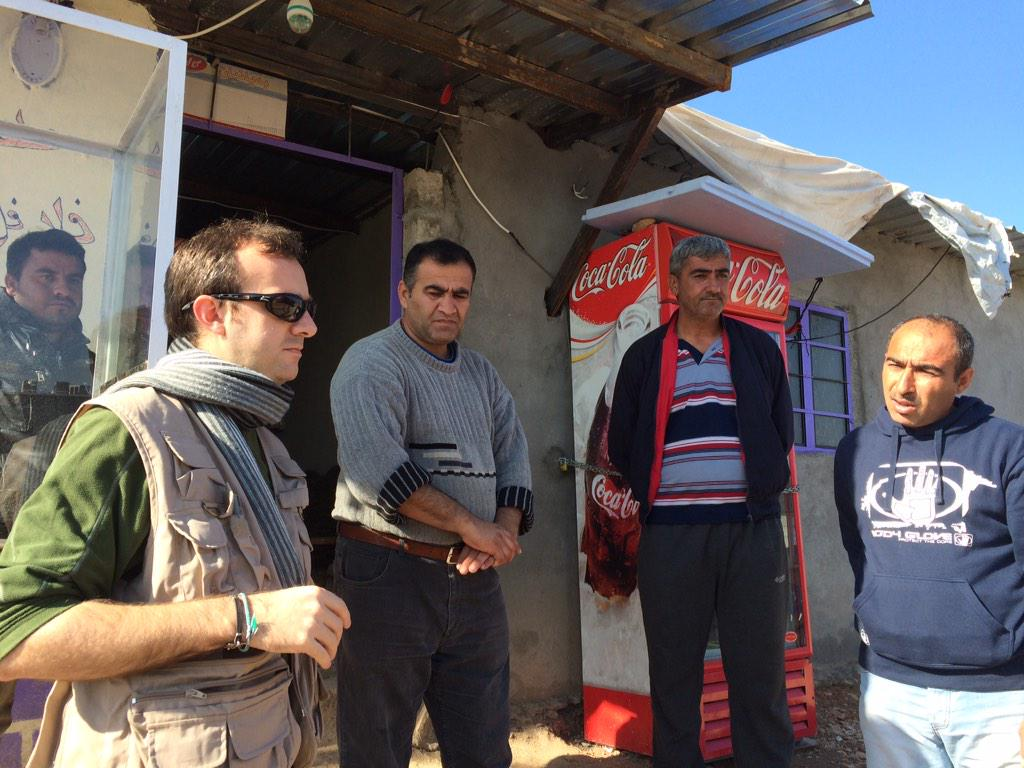 .@theIRC's #Arbat camp manager tries to solve some piping issues w a #SyrianRefugee http://t.co/onNyjWxJZG