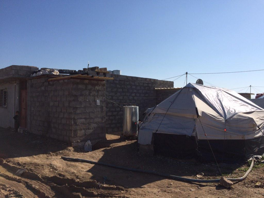 #SyrianRefugees in #Arbat camp turning their tents to cement homes. #iraq http://t.co/bqPrvYCZ28