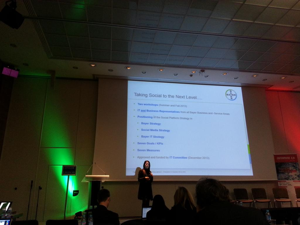 Starting the second round of social collaboration at Bayer @laurmiller44  #e20s http://t.co/dQgSYl3srE