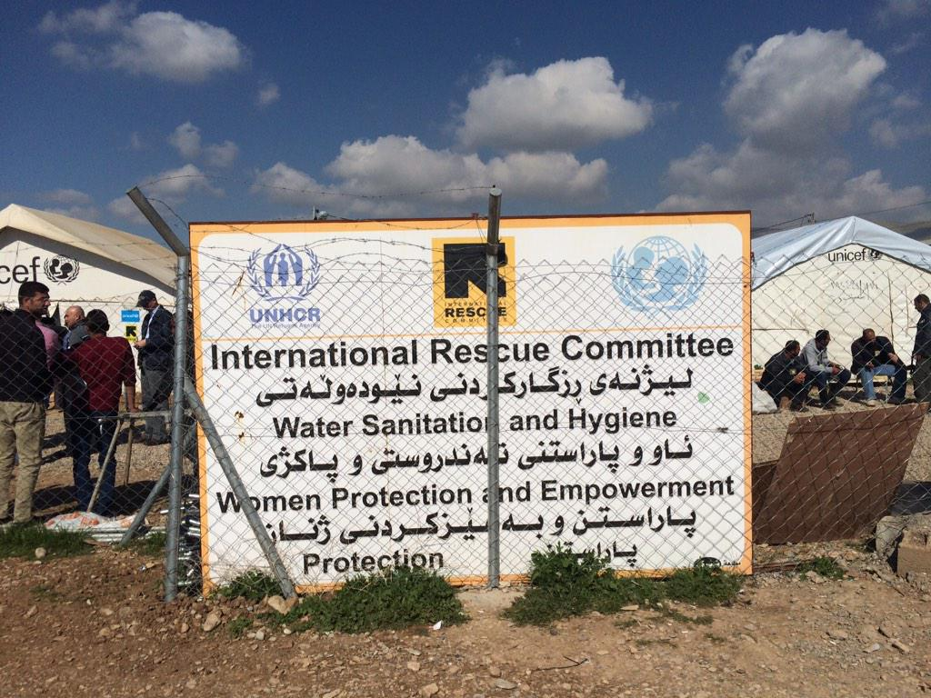 .@theIRC trucks water to this #Arbat displaced camp for #iraqis http://t.co/99B6xQojNG