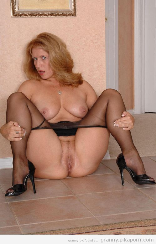 Housewife Sex Milf 24